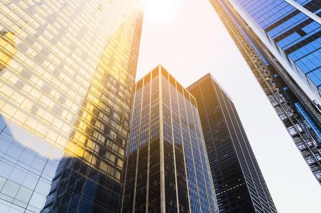 pisos de propietarios con administrador que forman un edificio