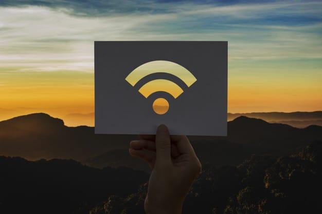Señal Wifi de conexion a Internet de color anaranjado